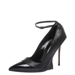 Manolo Blahnik Patent Leather Tracy Ankle Strap Pointed Toe Pumps Size 40.5