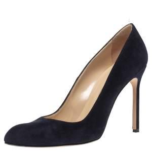 Manolo Blahnik Blue Suede BB Round Toe Pumps Size 39