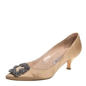 حذاء كعب عالى مانولو بلانيك زخرفة كريستال هانغيسى ساتان بيج مقاس 38.5
