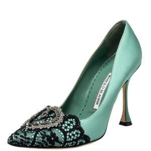 حذاء كعب عالي مانولو بلانيك مزين هانغيسي مقدمة مدببة ساتان و دانتيل أخضر مقاس 38.5