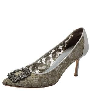 حذاء كعب عالي مانولو بلانيك مزين هانغيسي مقدمة مدببة ساتان و دانتيل رصاصي مقاس 38.5