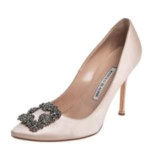 حذاء كعب عالي مانولو بلانيك مزخرف هانغيسي مقدمة مدببة ساتان بيج مقاس 38.5