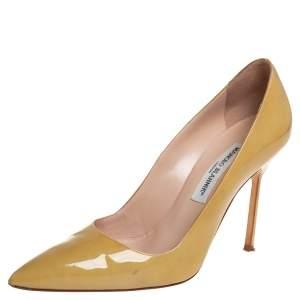 حذاء كعب عالي مانولو بلانيك مقدمة مدببة جلد لامع أخضر زيتوني مقاس 39