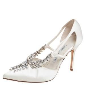 Manolo Blahnik Ivory White Satin Lala Crystal Embellished Pointed Toe Pumps Size 38
