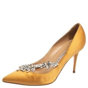Manolo Blahnik Mustard Yellow Satin Nadira Crystal Embellished Pointed Toe Pumps Size 38.5