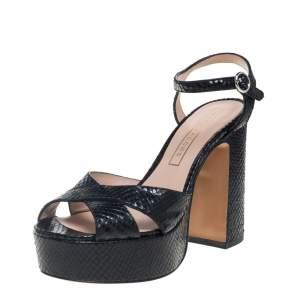 خذاء مارك جاكوبس سير كاحل نعل سميك سيور متقاطعة جلد نقش ثعبان أسود مقاس 38