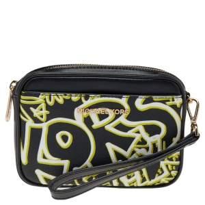 حقيبة كلتش مايكل كورس كانفاس مقوى وجلد غرافيتي أسود بحمالة معصم