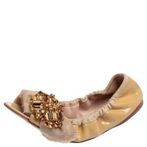 Miu Miu Beige Patent Leather Crystal Embellished Scrunch Ballet Flats Size 36