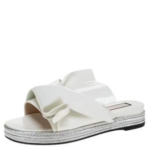 N°21 White Patent Leather Knotted Flat Slides Size 38