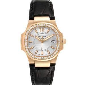 """ساعة يد نسائية باتيك فيليب """"ناوتيلوس 7010"""" ذهب وردي عيار 18 و ألماس فضية 32 مم"""
