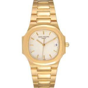 ساعة يد نسائية باتيك فيليب ناوتيلةس 3900 ذهب اصفر عيار 18 فضية 32 مم