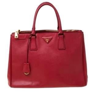 حقيبة يد برادا جلد سافيانو لوكس حمراء كبيرة بسحاب مزدوج