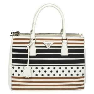 حقيبة يد برادا متوسطة سحاب مزدوج مزين خطوط و حلقات معدنية مفرغة جلد سافيانو لوكس ثلاثي اللون