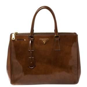 حقيبة يد برادا غاليريا كبيرة جلد لامع سبازولاتو بني
