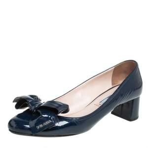 حذاء كعب عالي برادا مزين فيونكة كعب سميك جلد لامع أزرق كحلي مقاس 40.5