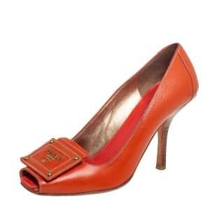 حذاء كعب عالي برادا بمقدمة مفتوحة جلد برتقالي مقاس 37.5