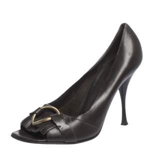 حذاء كعب عالي سان لوران جلد بني داكن بحلقات وشراشيب مقدمة مفتوحة مقاس 39.5