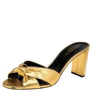 حذاء سلايد سان لوران بيانكا جلد ذهبي بعقدة مقاس 41