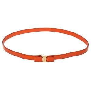 حزام سالفاتوري فيراغامو رفيع مزين فيونكة فارا جلد لامع برتقالي 100 سم