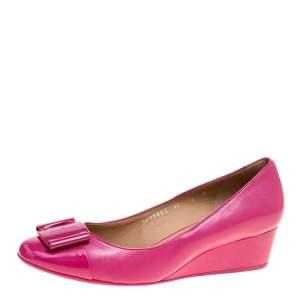 Salvatore Ferragamo Fuchsia Pink Leather Silda Vara Plaque Wedge Pumps Size 40.5