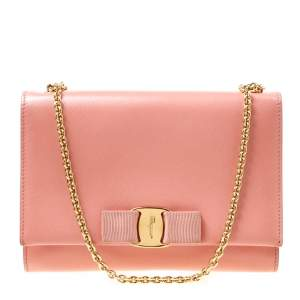 Salvatore Ferragamo Peach Leather Vara Bow Chain Clutch