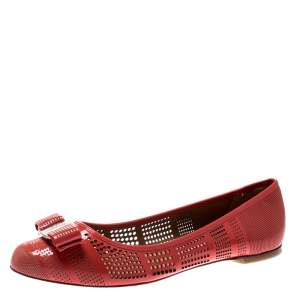 Salvatore Ferragamo Coral Perforated Patent Leather Varina Bow Ballet Flats Size 39.5