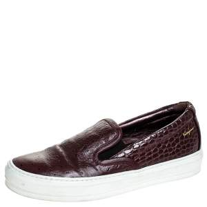Salvatore Ferragamo Burgundy Croc And Ostrich Embossed Leather Pacau Slip On Sneakers Size 38.5