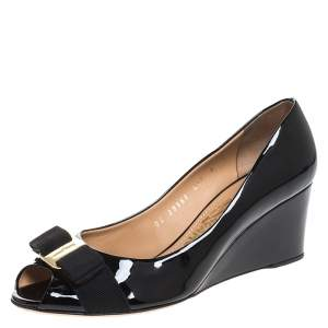 Salvatore Ferragamo Black Patent Leather Sissi Bow Peep Toe Wedge Pumps Size 38.5