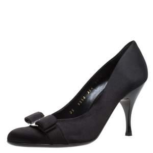 Salvatore Ferragamo Black Satin Vara Bow Round Toe Platform Pumps Size 36