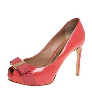 Salvatore Ferragamo Peachy Pink Patent Leather Sissi Bow Peep Toe Pumps Size 35.5