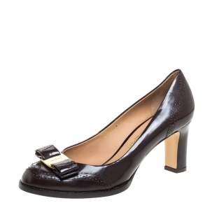 Salvatore Ferragamo Brown Brogue Leather Vara Bow Pumps Size 39