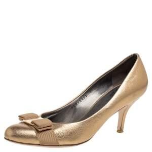 Salvatore Ferragamo Gold Leather Carla Vara Bow Pumps Size 37.5