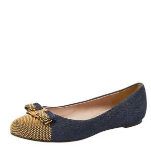Salvatore Ferragamo Blue/Gold Denim Fabric Studded Vara Bow Cap Toe Ballet Flats Size 38.5