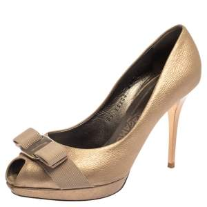 Salvatore Ferragamo Metallic Bronze Leather Vara Bow Peep Toe Pumps Size 37