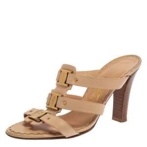 Salvatore Ferragamo Cream Leather Buckle Straps Sandals Size 37.5