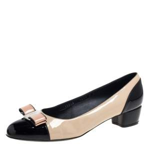 Salvatore Ferragamo Beige/Black Patent Leather Vara Bow Cap Toe Pumps Size 39.5
