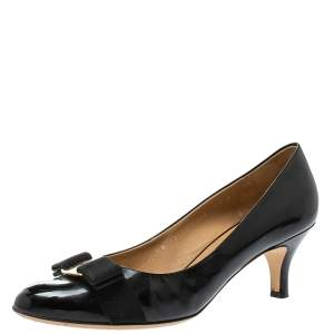 Salvatore Ferragamo Black  Patent Leather Vara Bow Pumps Size 40