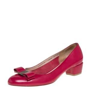حذاء كعب عالي سالفاتوري فيراغامو بفيونكة جلد وردي كعب مربع سميك مقاس 38.5