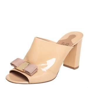 Salvatore Ferragamo Nude Patent Leather Viva Bow Slide Sandals Size 37