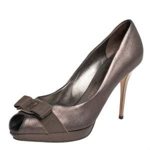 Salvatore Ferragamo Metallic Bronze Leather Vara Bow Peep Toe Pumps Size 39.5