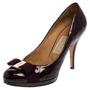 Salvatore Ferragamo Two Tone Patent Leather Vara Bow Pumps Size 39