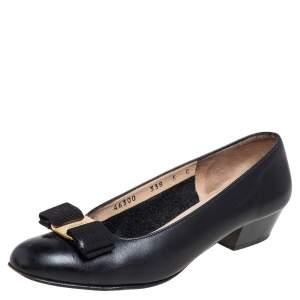 حذاء كعب عالي سالفاتوري فيراغامو جلد أسود فيونكة فارا مقاس 35.5