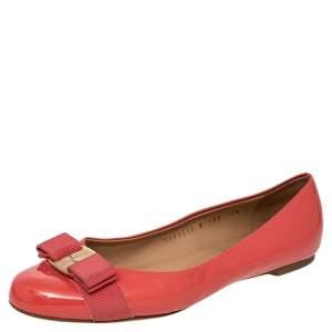 Salvatore Ferragamo Coral Pink Patent Leather Vara Bow Flats Size 38
