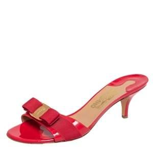 Salvatore Ferragamo Red Patent Leather Vara Bow Slide Sandals Size 40