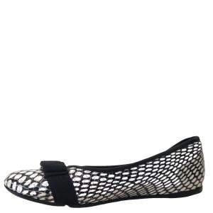 Salvatore Ferragamo Black/White Leather Ballet Flats Size EU 33