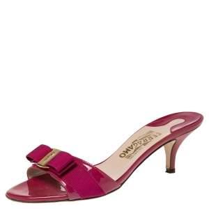 Salvatore Ferragamo Pink Patent Leather Vara Bow  Sandals Size 38.5