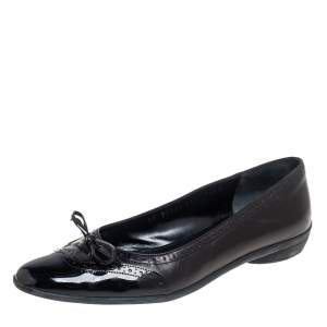 Salvatore Ferragamo Black Brogue Leather And Patent Leather Bow Ballet Flats Size 38