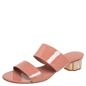 Salvatore Ferragamo Beige Patent Leather Belluno Slide Sandals Size 40.5