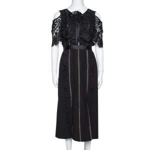 """فستان سيلف بورتريت """"هينكلي"""" طبقة دانتيل علوية كريب أسود مقاس وسط (ميديوم)"""
