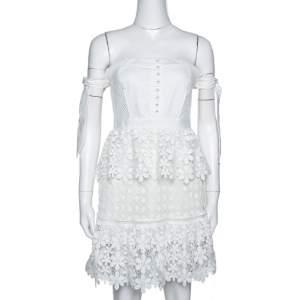 فستان سيلف بورتريت أوف شولدر قصير طبقات دانتيل أبيض مقاس وسط (ميديوم)